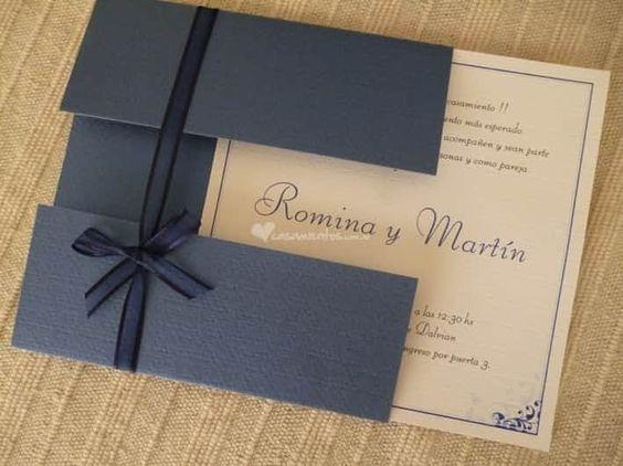 Undangan pernikahan terbaru biru