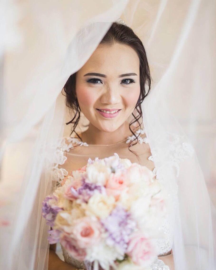 glowyblush rias rambut makeup pernikahan