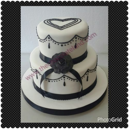 the chocolate land kue pernikahan