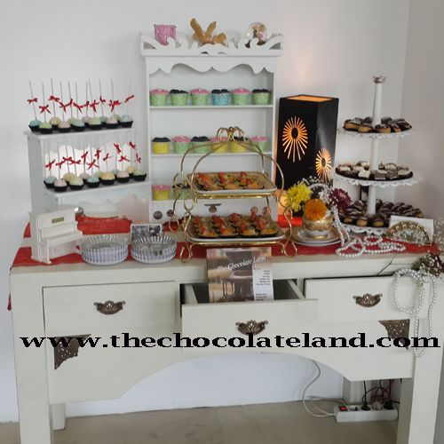 the chocolate land kue pernikahan